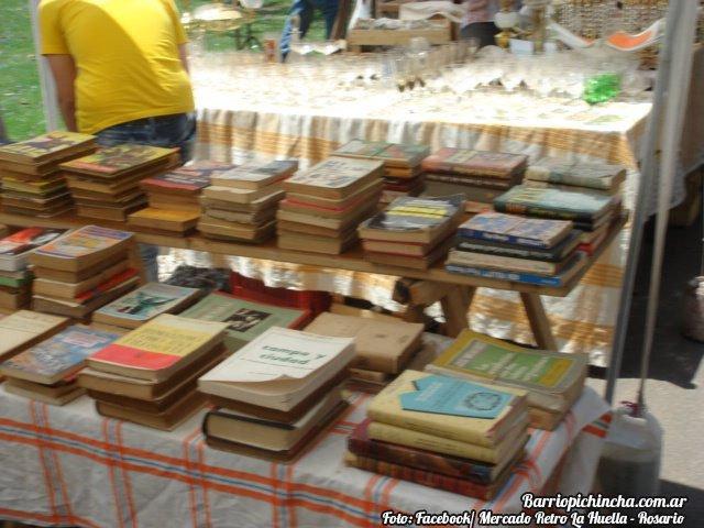 Libros amarillentos en el Mercado Retro