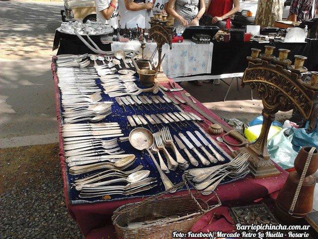 Vajilla antigua en venta en el Mercado Retro