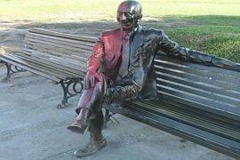 Estatua de olmedo vandalizada