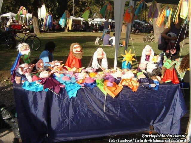 Títeres y muñecos en la Feria del Bulevar