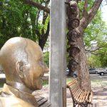 Estatua tamaño real de Alberto Olmedo en Pichincha